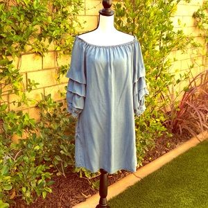 Off the shoulder jeans dress byBeachLunchLounge